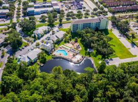 Barefoot Suite Condos Close To The Parks