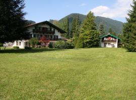 Hotel garni Sonnenhof, Rottach-Egern (Oberach yakınında)