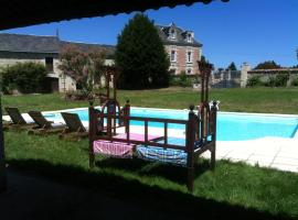 Villa avec piscine, Curçay (рядом с городом Pas-de-Jeu)