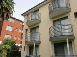 Waldorf Hornsby Residential Apartments, Hornsby (Berrilee yakınında)