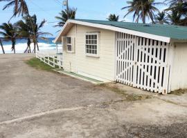 Rest Haven Beach Cottages, Saint Joseph (Clifton Hall yakınında)