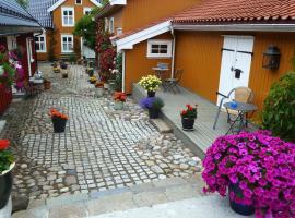Toldgaarden Gjestegaard, Larvik