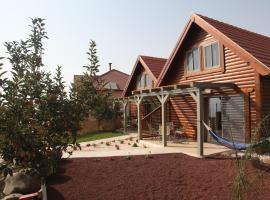 Be-Taam Ahava Suites, Bruchim Qela' Alon (рядом с городом Lahavot HaBashan)