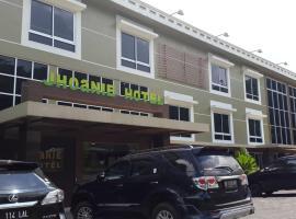 Jhoanie Hotel, Tomohon
