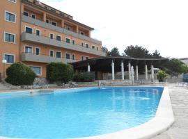 Hotel Santangelo, Monte Sant'Angelo (Ruggiano yakınında)