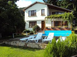 Villa Mirlevi, Shipka (Uzana yakınında)