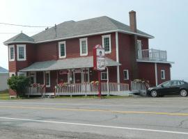 Auberge Restaurant chez Mamie, Rivière-la-Madeleine (Mont-saint-pierre yakınında)