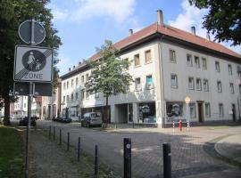 Externsteiner Hof, Horn-Bad Meinberg (Feldrom yakınında)