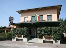 Hotel Molteni, Veduggio con Colzano (Nibionno yakınında)