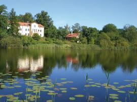 Villa am Trumpf - Individuelle Ferienwohnungen am See, Melzow (Flieth yakınında)