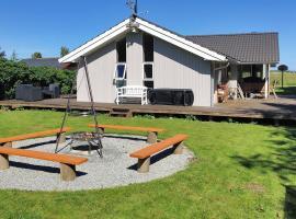 Holiday home Rørsangervænget H- 3812, Bogø By