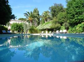 Villa La Guillaumiere, Ле-Праде (рядом с городом Каркеран)