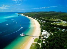 Tangalooma Island Resort, Tangalooma (Cowan Cowan yakınında)