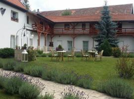 Green Club, Tursko (Veltrusy yakınında)