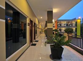 Hotel New Merdeka, Pati (рядом с городом Pasarbangi)