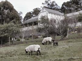 House on the Hill Bed and Breakfast, Huonville