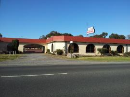 Charlton Motel, Charlton (Wedderburn yakınında)