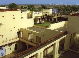 Pachewar Garh Fort, Pachhewar (рядом с городом Māla)