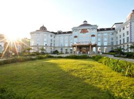 The Royal Pinnacle Hotel