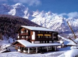 Hotel Corona, Val di Zoldo (Dont yakınında)