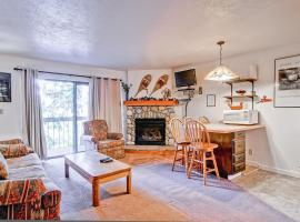 Yosemite West Condos & Properties, Yosemite West