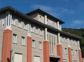 Hotel Elizalde, Ойярсун