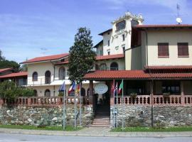 Hotel Ristorante Taverna Verde, Piverone (Zimone yakınında)