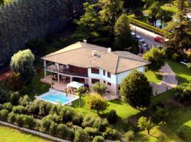 B&B La Grola, San Martino Buon Albergo (Mezzane di Sotto yakınında)