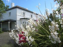 The Grove Cottages, George Town (Low Head yakınında)