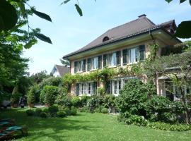 Villa Magnolia, Richterswil (Stäfa yakınında)