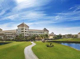 Hilton Pyramids Golf
