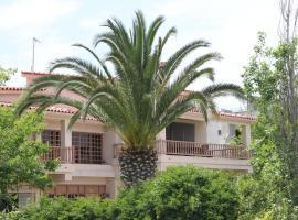Villa Cullinan, Коккони (рядом с городом Nerántza)