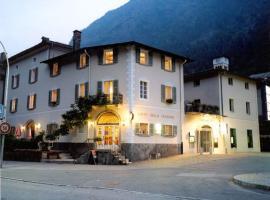 Boutique Hotel Albergo Stazione, Campocologno (Campascio yakınında)