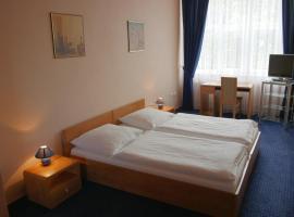Hotel Garni Zlín, Zlín (Louky yakınında)