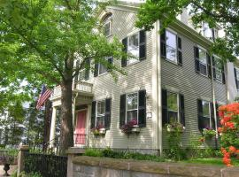 Delano Homestead Bed and Breakfast, Fairhaven (in de buurt van New Bedford)