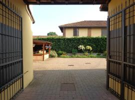 Il Sole Del Borgo, Binasco (Rosate yakınında)