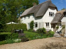 Apple Tree Cottage B&B, Tisbury (рядом с городом Ansty)