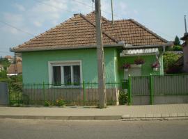 ZÖLD Vendégház, Mátraderecske (рядом с городом Mátraballa)