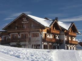 Hotel The Originals Le Beausoleil (ex Hôtel-Chalet de Tradition)