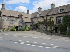 The Three Cocks Coaching Inn, Glasbury