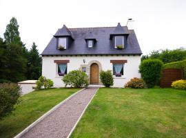 Traditional Brittany Home, Quessoy (рядом с городом Saint-Carreuc)