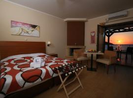 Faros Luxury Suites, Marathopolis
