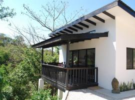 Villa Maluku, Santa Teresa Beach (Respingue yakınında)