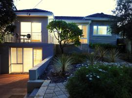 Trigg Beach Cottage, Perth (North Beach yakınında)