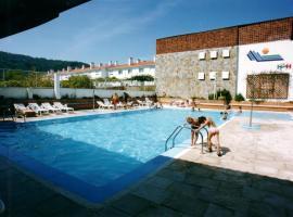 Hotel Sarga, Cabañas
