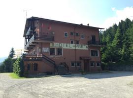 Albergo Ristorante Pineta, Collio (San Colombano yakınında)