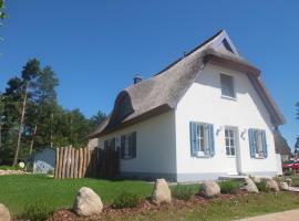 Ferienhaus Dünenblick, Glowe (Klein Gelm yakınında)