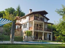 Neda's House, Cherven (Dve Mogili yakınında)
