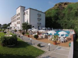 Hotel Total, Fuscaldo (À proximité de: Paola)