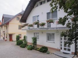 Apartment Sobe Ravbar